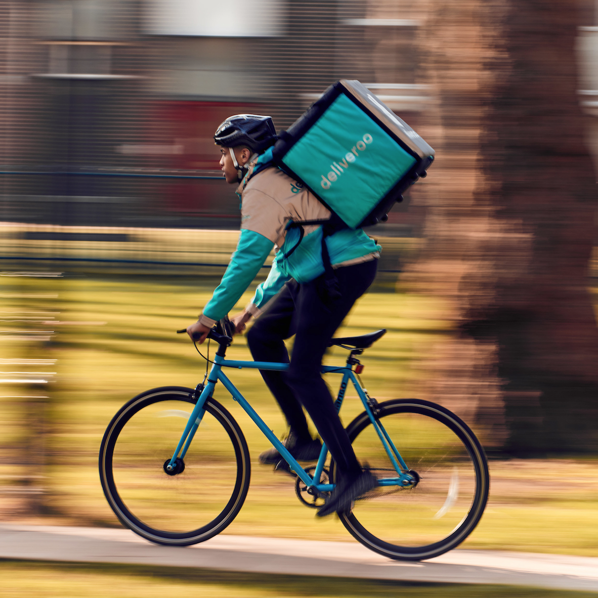 Deliveroo Jumps on Subscription Bandwagon
