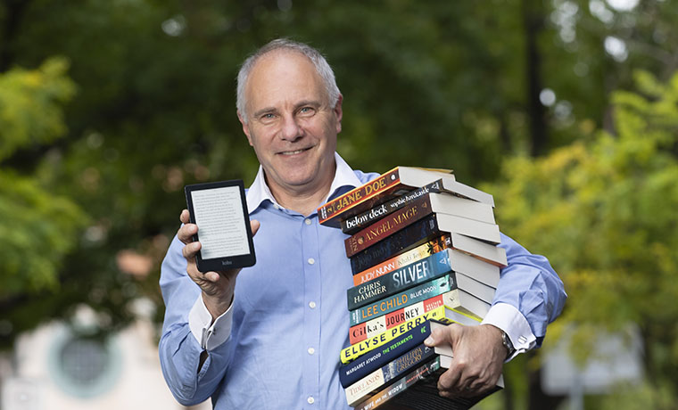 Booktopia Pens Deal with Canadian E-Book Giant