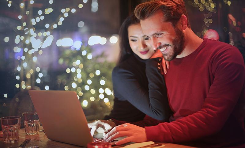 AusPost's Christmas Deadline Looms as Online Sales Expand